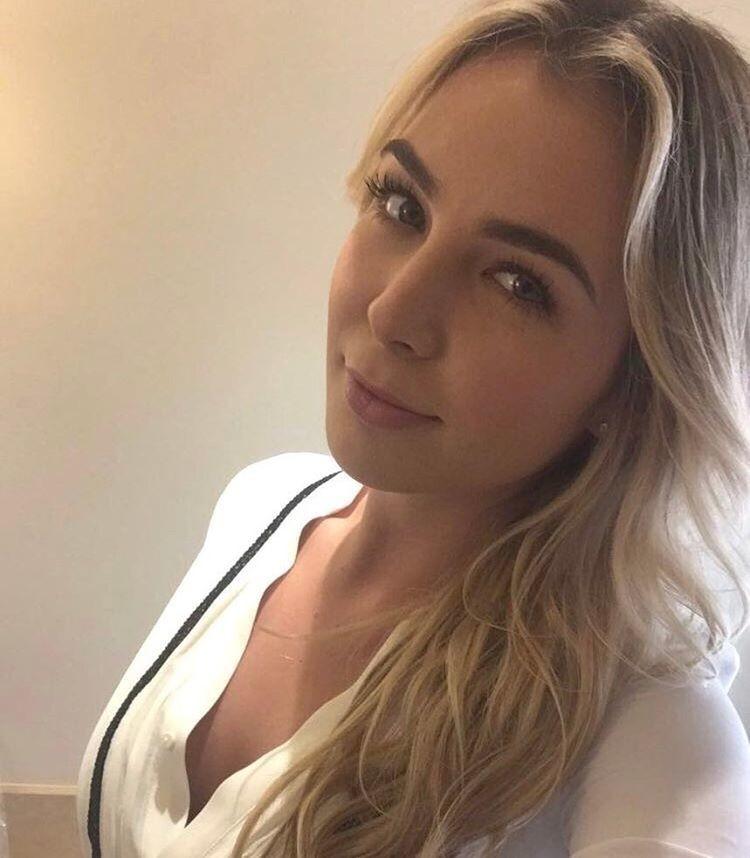 Американская учительница церковной школы с лицом ангела стала порнозвездой