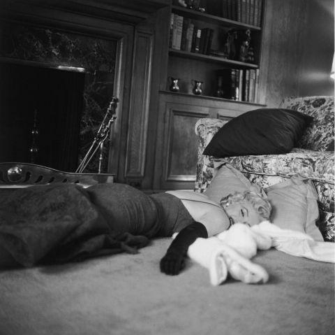 13 редких фото Мерилин Монро дома
