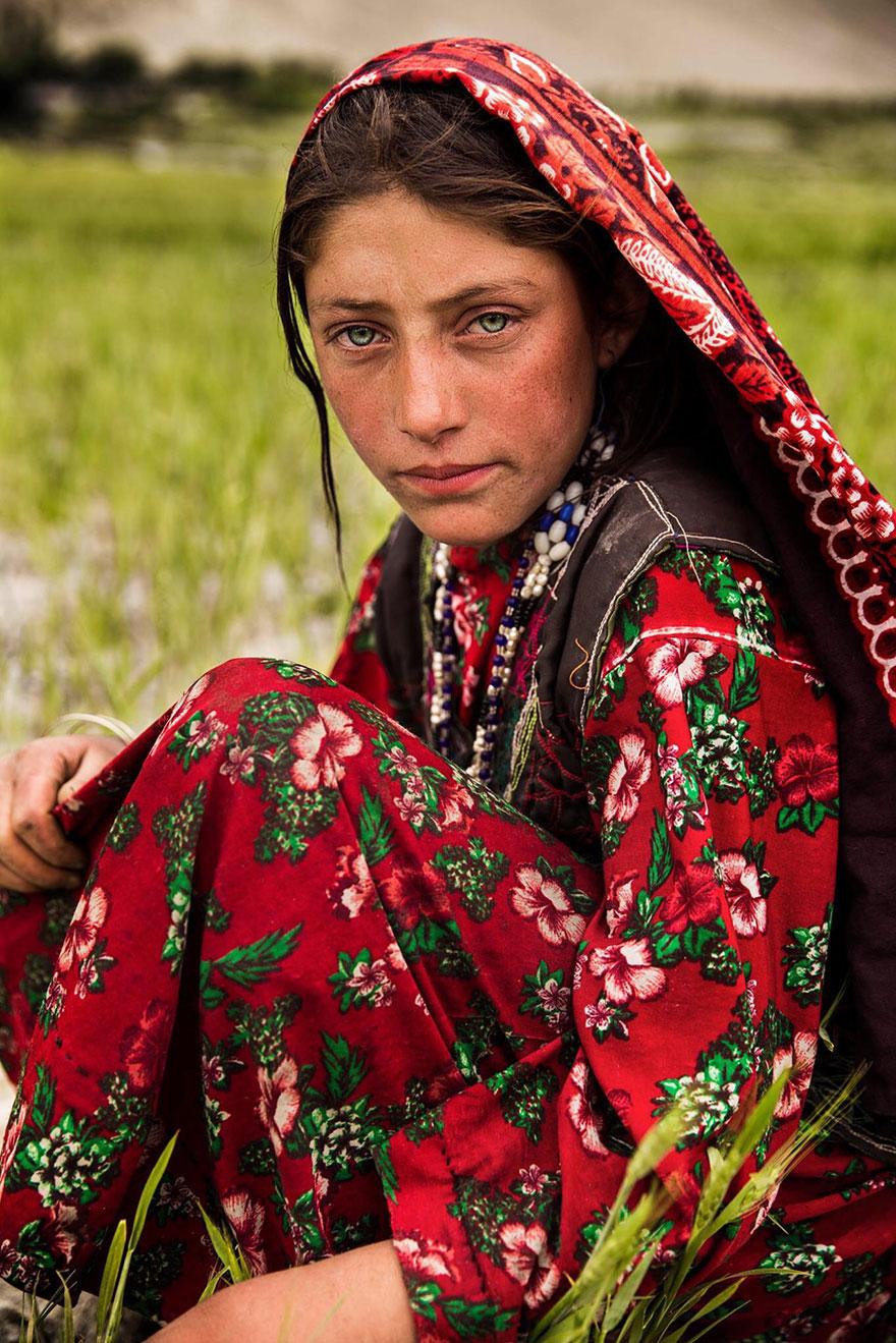 Румынский фотограф запечатлела красоту женщин почти всего земного шара