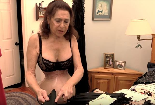 Эта женщина 40 лет терпела мучения, чтобы получить самую тонкую талию в мире