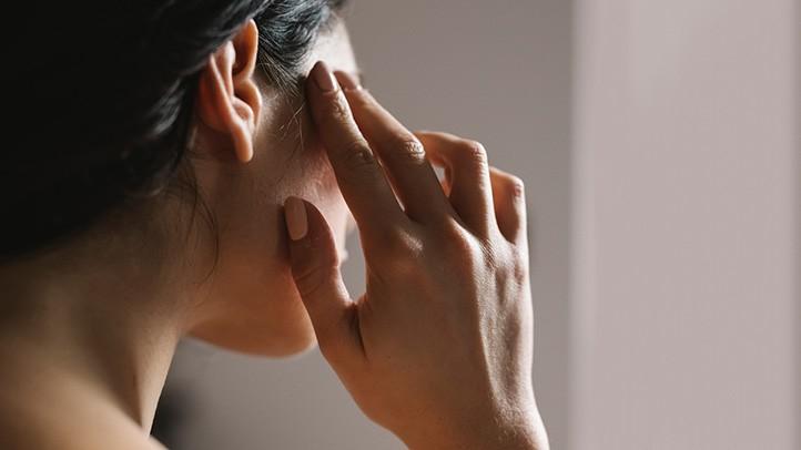 Почему у вас может болеть голова после секса