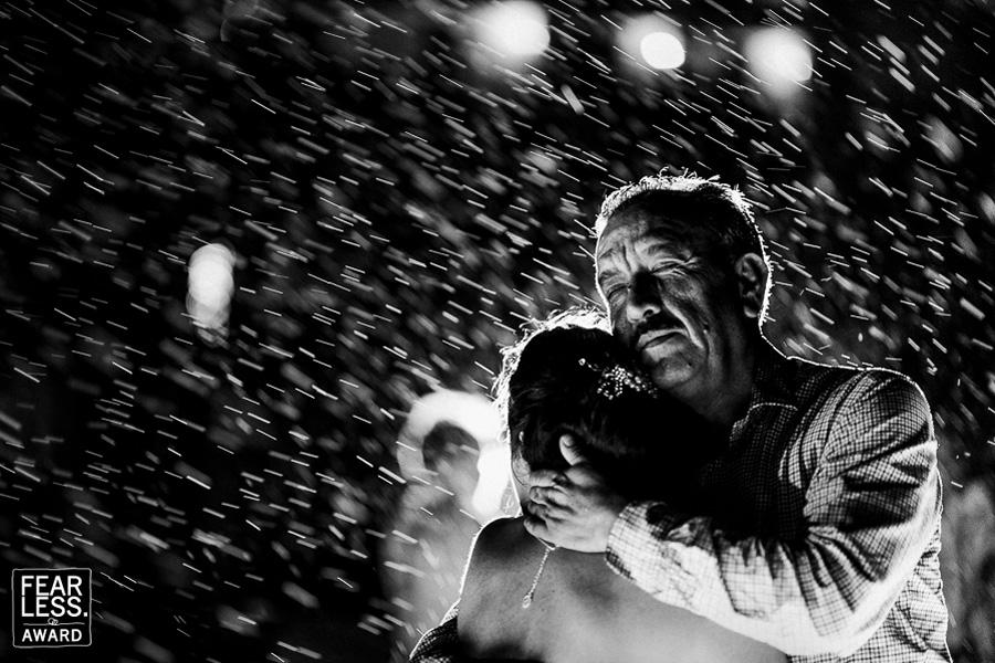 30 свадебных фотографий со своей историей, от которых у тебя побегут мурашки